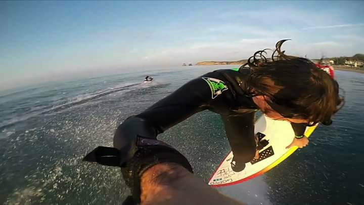 hugues-oyarzabal-hand-held-gopro-surf-air-henday-france.jpg