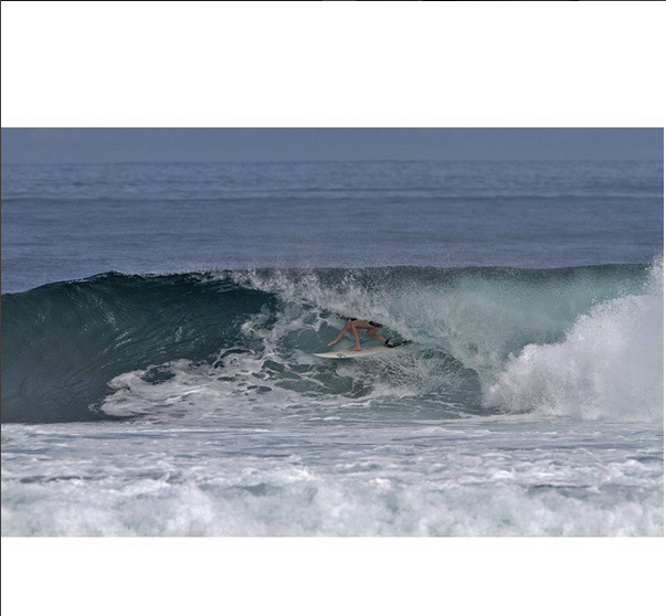 rosary-walsh-lunasurf-tailpad-leash-and-fins-indonesia.png