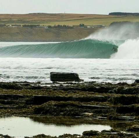 scotland-champion-chris-noble-surfing-.png