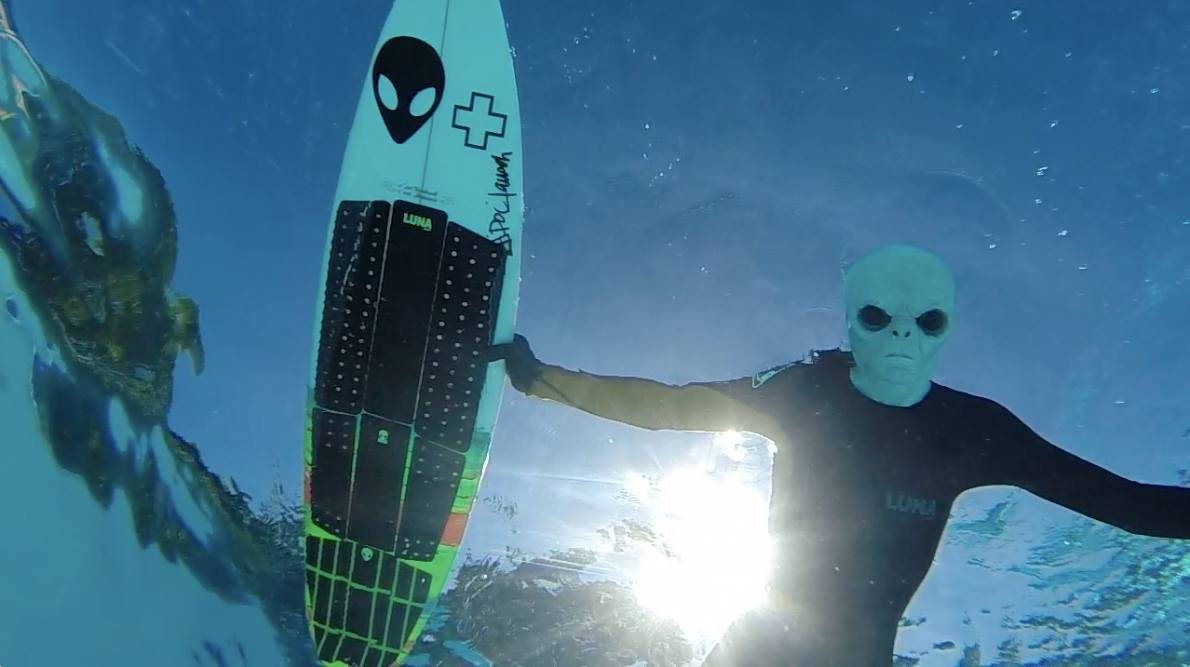 sfath-lunasurf-alien-earth.jpg